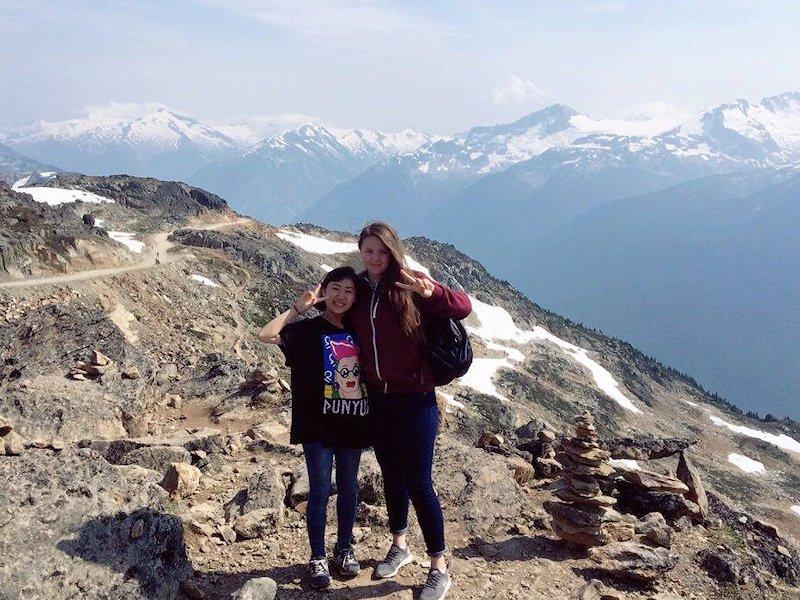 Vue des montagnes canadiennes