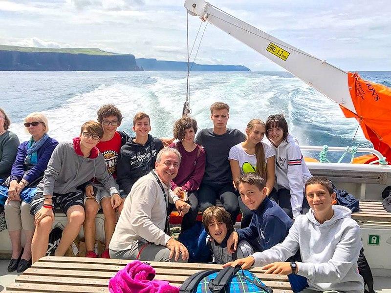 Partir en séjour linguistique multi activités en Angleterre - excursion en bateau en groupe
