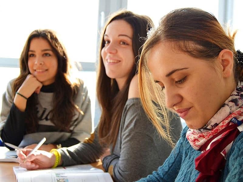 cours de langue en groupe