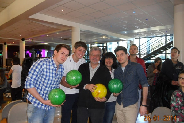 Host-family-france-bowling
