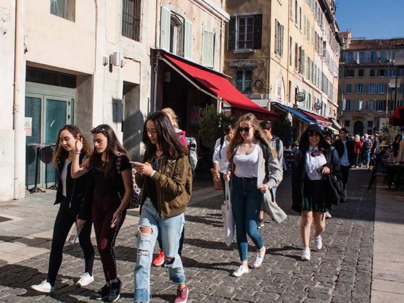 Marseille-student-city-trip-street