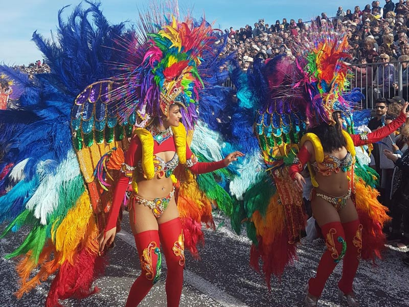Menton festival dancers