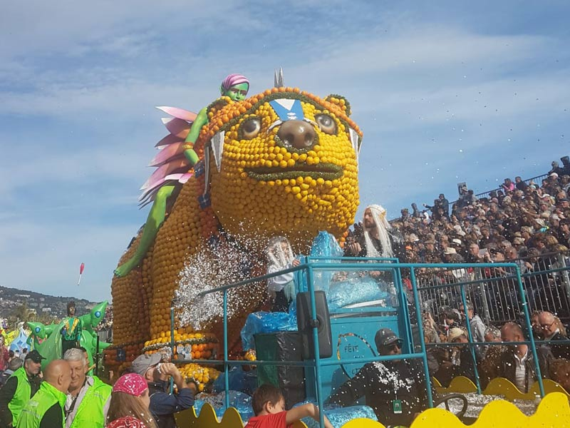 Menton festival tank
