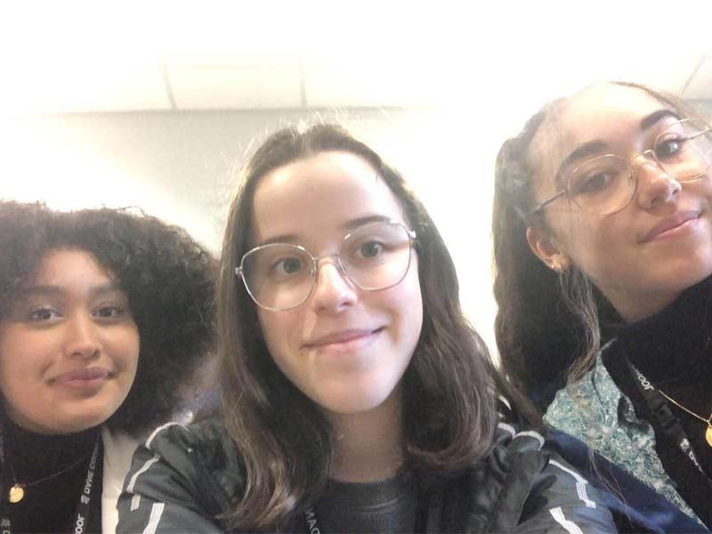 léa et ses amies en high school
