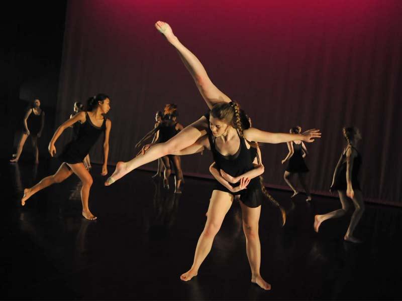 cour de dance high school